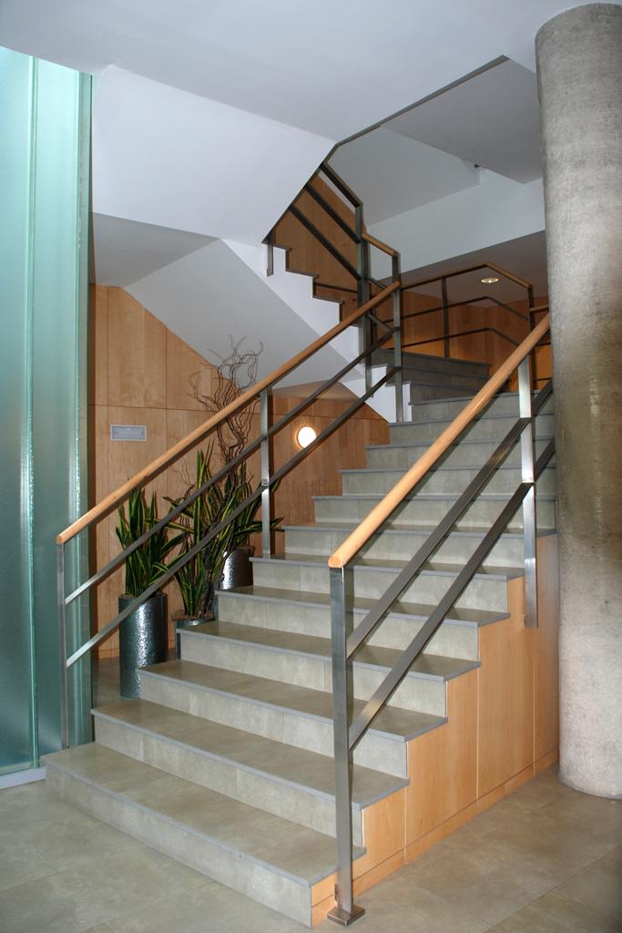 Barandillas y pasamanos talleres armis n taller de - Barandillas cristal para escaleras ...